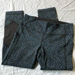 Lululemon Pace Rival Crop Pant blue & black size 6